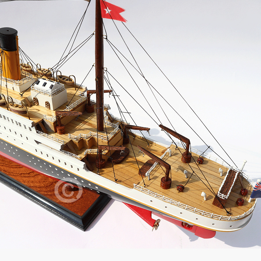 Thuyền Du Lịch RMS TITANIC PAINTED 80