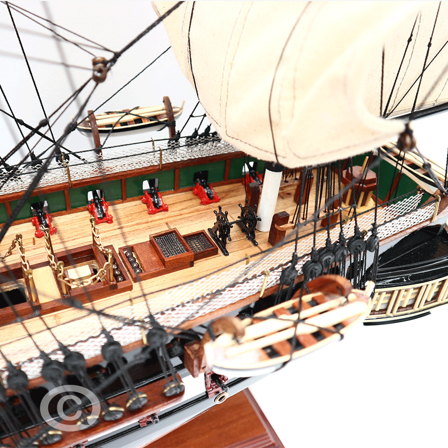 Thuyền Gỗ USS CONSTITUTION PAINTED