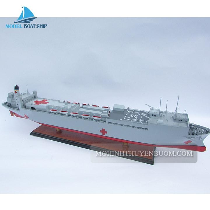 Thuyền chiến USNS COMFORT