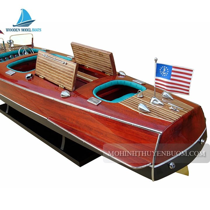Thuyền Đua CHRIS CRAFT TRIPLE COCKPIT