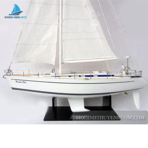 Thuyền buồm NAUTOR SWAN 48