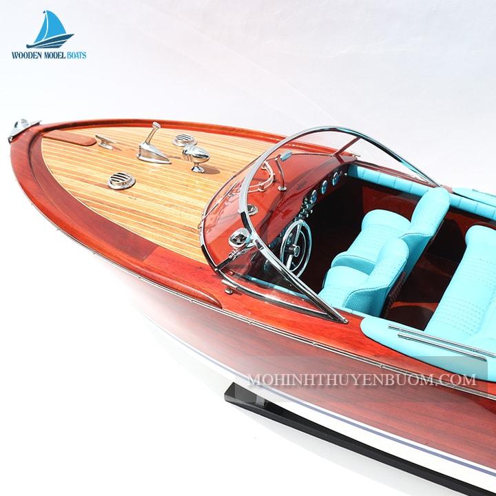 mô hình thuyền đua tốc độ