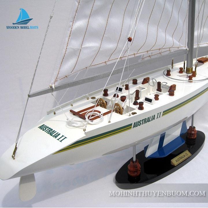 Thuyền buồm AUSTRALIA II
