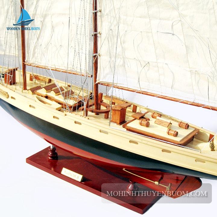 Thuyền buồm BLUENOSE II PAINTED