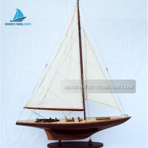 Thuyền buồm CONSTELLATION
